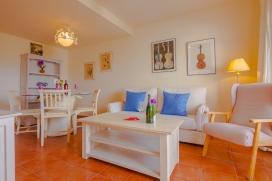 Apartamento bonito y confortable en Altea, Alicante para 2 personas. El apartamento está situado en una zona urbana, cerca de restaurantes y bares, tiendas y supermercados y a 3 km de la playa de Playa de Altea. El alojamiento ofrece unas vist, Altea