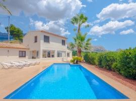 Villa rústica y clásica  con piscina privada en Altea, en la Costa Blanca, España para 6 personas