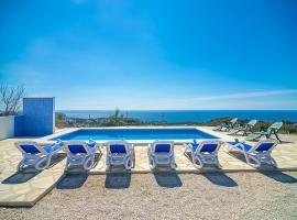 Casa rural grande y confortable  con piscina privada en Benissa, en la Costa Blanca, España para 6 personas