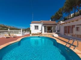 Villa clásica y acogedora  con piscina privada en Benissa, en la Costa Blanca, España para 4 personas