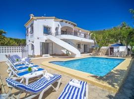 Villa grande y confortable en Benitachell, en la Costa Blanca, España  con piscina privada para 10 personas