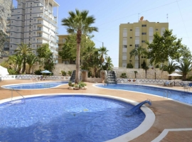 Apartamento  con piscina comunitaria en Calpe, en la Costa Blanca, España para 4 personas