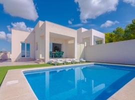 Villa moderna y confortable  con piscina privada en Calpe, en la Costa Blanca, España para 2 personas