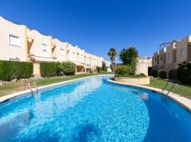 Casa de vacaciones maravillosa y confortable  con piscina comunitaria en Denia, en la Costa Blanca, España para 6 personas