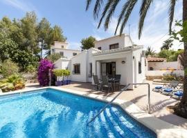 Villa maravillosa y graciosa en Denia, en la Costa Blanca, España  con piscina privada para 6 personas