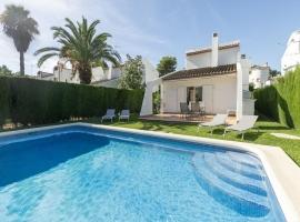 Villa bonita y clásica  con piscina privada en Denia, en la Costa Blanca, España para 6 personas