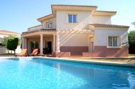 Villa Noguera se encuentra situada en Denia, a tan sólo 245m. de la playa de arena (Playa Molins-Punta Espanyó)., Denia