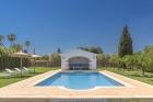 El Descanso,Finca antigua con piscina...