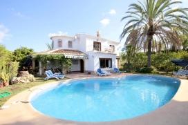 Villa clásica y confortable en Jávea, Alicante  con piscina privada para 8 personas.  La v, Javea