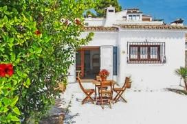 Casa de vacaciones para alquilar  confortable en Moraira, Costa Blanca, España para un máximo de 2 personas.Esta casa de vacaciones está situada  en una  zona con colinas, cerca de restaurantes y bares y supermercados y  a 1 km de la p, Moraira
