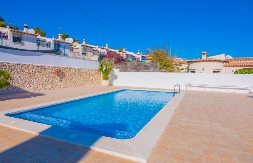 Casa de vacaciones en moraira oviedo 4 villas guzm n for Alquiler de oficinas en oviedo