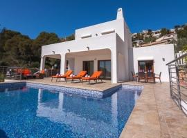 Villa maravillosa y graciosa  con piscina privada en Moraira, en la Costa Blanca, España para 6 personas