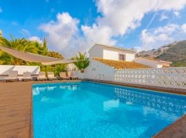 Villa bonita y romántica en Moraira, en la Costa Blanca, España  con piscina privada para 4 personas