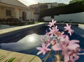 Villa maravillosa y clásica  con piscina privada en Moraira, en la Costa Blanca, España para 6 personas