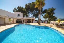 Villa de lujo maravillosa y  en Moraira, en la Costa Blanca, España  con piscina climatizada para 8 personas, Moraira