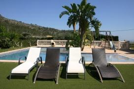 Villa de luxe avec piscine privée pour 6 /8 personnes en Favara / Cullera, Costa Azahar. La villa a une surface habitable de 200m2 avec grande terrasse couverte et cuisine d'été, est confortable et agréable, sur un seul niveau, et, Favara