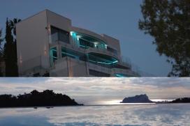 Villa moderne et confortable pour 6 personnes à Moraira, Costa Blanca, Espagne,avec piscine privée en cascade. A côté de la piscine il y a un jacuzzi avec une capacité pour 6 personnes. Elle est située dans une zone urba, Moraira