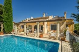 Villa Atenea,Villa merveilleuse et de luxe  avec piscine privée à Moraira, sur la Costa Blanca, Espagne pour 6 personnes...