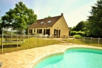 LAYOUT:Lots of space, privacy and stunning views over the Burgundy countryside. With a private pool of 9 to 6 meter., Treigny