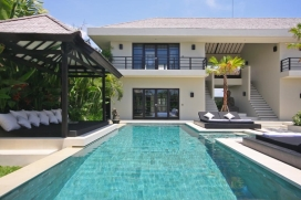 This beautiful luxury holiday villa is located in popular Canggu, and surrounded by magnificent green rice fields. The villa offers a lovely modern Balinese atmosphere, within walking distance from the prestigious Canggu Club, Canggu Deli supermarket, Canggu