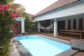 This cozy rental villa is located just close to the center of fashionable Seminyak. Seminyak is the place to be for every modern traveller, who comes to Bali. The two bedroom holiday villa is perfectly positioned to explore all Bali's leading hot spo, Seminyak