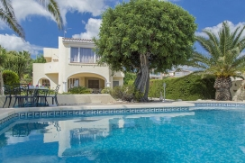 Villa in Benissa, on the Costa Blanca, Spain  with private pool for 4 persons.  The villa is situated  in a  hilly and residential area and  at 1 km from La Fustera beach.  The villa has 2 bedrooms and 1 bathroom.  The accommodation offers a lot of p, Benissa