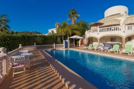 Wonderful villa with private pool in Moraira for 4 persons, to spend some wonderful holidays in Spain with family, friends and also your pets. The villa is situated in a hilly and residential area, close to a golf course and restaurants and bars and , Benissa