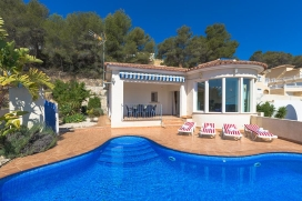 Comfortable villa    with private pool, in Calpe, Costa Blanca, Spain for a maximum of 6 persons.This villa is situated  in a  hilly, wooded and residential area. The accommodation has privacy, a garden with gravel and trees and  beautiful views of  , Calpe