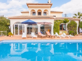 Large and comfortable villa  with private pool in Calpe, on the Costa Blanca, Spain for 16 persons
