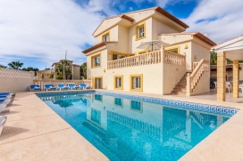 Large and comfortable villa with private pool in Calpe for 16 persons, to spend some wonderful holidays in Spain with family, friends and also your pets. The villa is situated in a residential area. The villa has 8 bedrooms and 4 bathrooms, spread ov, Calpe
