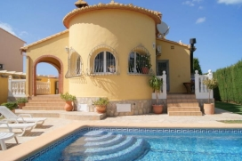 Villa Pedrera is situated in a quiet residential área of Denia. Only 1km., Denia