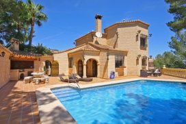 Villa with private pool in Denia, on the Costa Blanca, Spain for 6 persons. The villa is situated in a hilly and residential area, close to restaurants and bars and at 4 km from Las Marinas beach. The villa has 3 bedrooms and 3 bathrooms, spread over, Denia