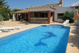 Beautiful and comfortable villa with private pool in Els Poblets, on the Costa Blanca, Spain for 6 persons. The villa is situated in a coastal and residential area, close to restaurants and bars, shops and supermarkets and at 1 km from the beach. The, Els Poblets