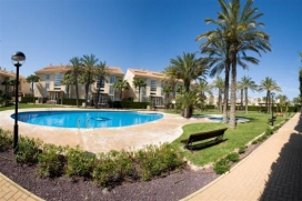 Ground floor 2 bedroom self-catering holiday apartment, overlooking the pool in Javea, Costa Blanca, and a 5 minute walk to the beach. This lovely apartment sleeping 4 has direct access to the resident's pool and gardens so is ideal for families with children wanting to keep an eye on them in the pool. Adults can sit on the terrace while the children can play outside with other children. 2 sunbeds are provided and a parasol keeps you cool while you eat al fresco. Being south-west facing it means that you have sun all day until sunset. Located in the heart of the Arenal sandy beach area, near the shops, restaurants and bars, shops and cafés, Golden Beach is ideal for those not wishing to use a car while on holiday. There is a good supermarket just around the corner and just a 5 minute stroll from the sandy beach.  , Javea