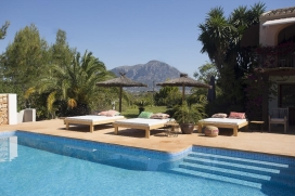 Beautifulholiday home in Javea, Costa Blanca, Spain for a maximum of 10 persons with private pool.Casoba is a charming, Mediterranean-style villa where you'll immediately feel at home. The villa is situated in a quiet rural residential ar, Javea