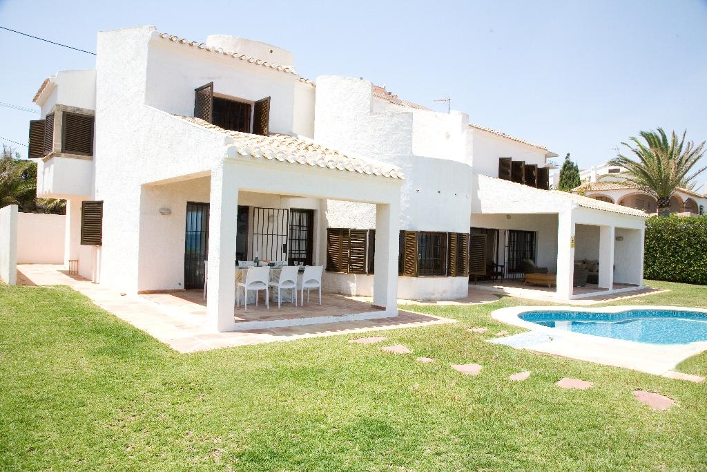 Quality Rent a villa S.L.