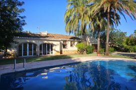 Beautiful and comfortable villa  with private pool in Javea, on the Costa Blanca, Spain for 6 persons, Javea