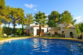 Holiday rental villa on the Costa Blanca with private swimming pool for a maximum of 6 people.Lovely villa in Spain, situated in a quiet area in the foothills of the Montgó mountain in Javea. This villa has a beautiful garden with pond and vario, Javea