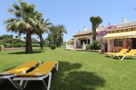 Holiday house in Moraira, on the Costa Blanca, Spain  with communal pool for 4 persons, Moraira