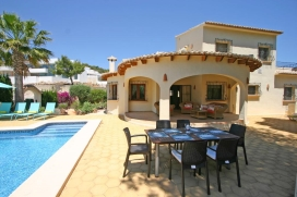 Wonderful and comfortable villa with private pool in Moraira, on the Costa Blanca, Spain for 8 persons. The villa is situated in a residential area and at 1 km from Moraira beach. The villa has 4 bedrooms and 2 bathrooms, spread over 2 levels. The ac, Moraira