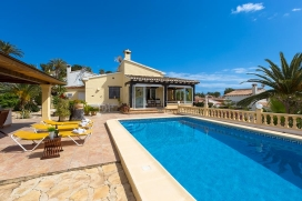 Beautiful and comfortable villa   in Moraira, Costa Blanca, Spain  with private pool, for a maximum of 6 persons.This villa is situated  in a  hilly and residential area. The accommodation has a lot of privacy and a garden with gravel and trees.Its t, Moraira