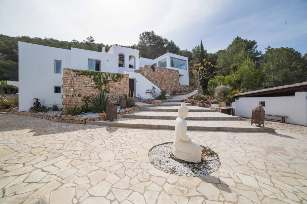 Ibiza travel and vacation rentals 772 villa for rent in - Ibiza house renting ...