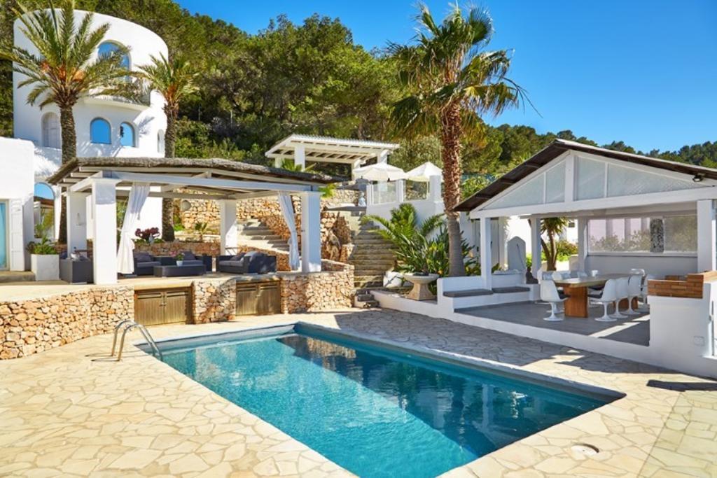 Ibiza Villa For Rent in Cala D Hort