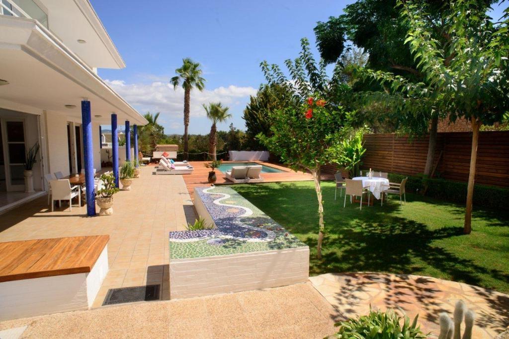 Ibiza Villa For Rent in Port d´Es Torrent