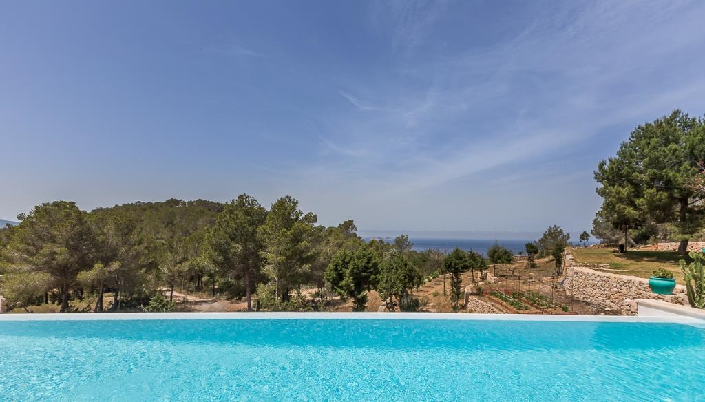 ibiza villa 736 for rent in cala salada with 5 bedrooms. Black Bedroom Furniture Sets. Home Design Ideas