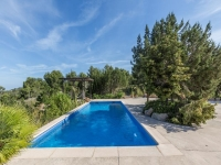 http://foto.i-rent.net/rental/spain/ibiza/islas-baleares/cala-tarida/villas/villa-650_42426/650_00.jpg