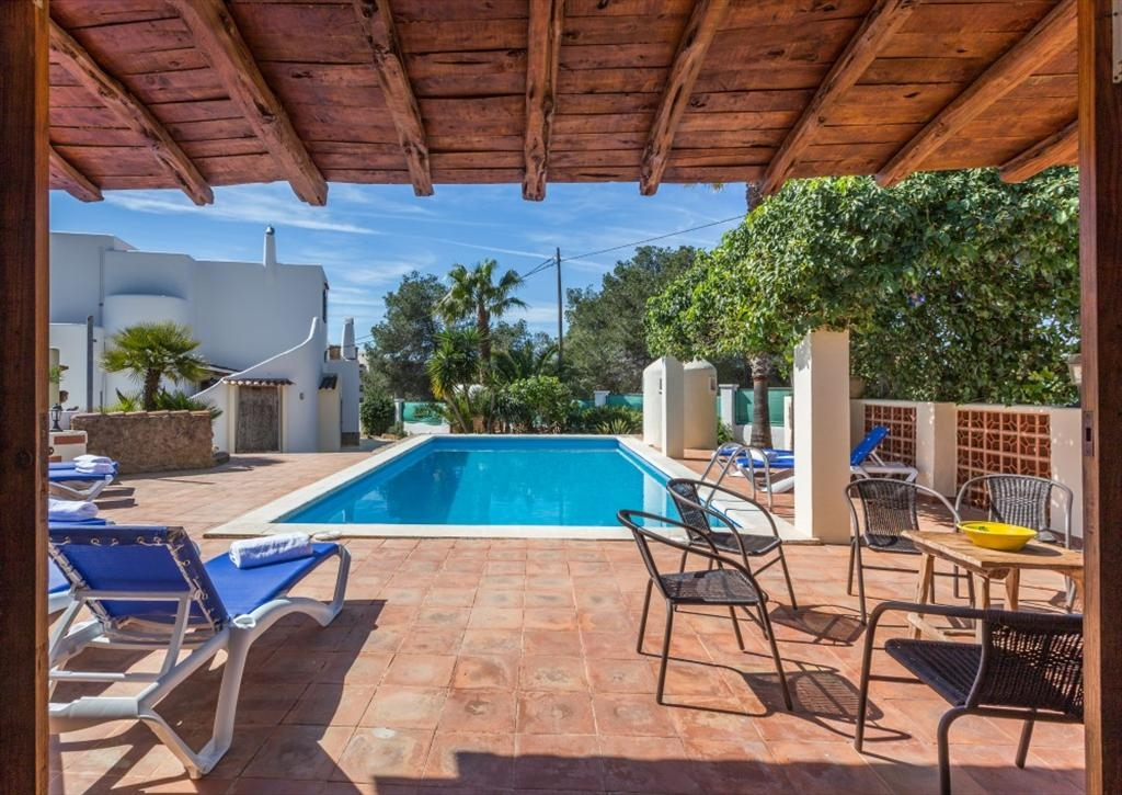 Luxury Villa in Ibiza, San Antonio for Rent with 4 Bedrooms