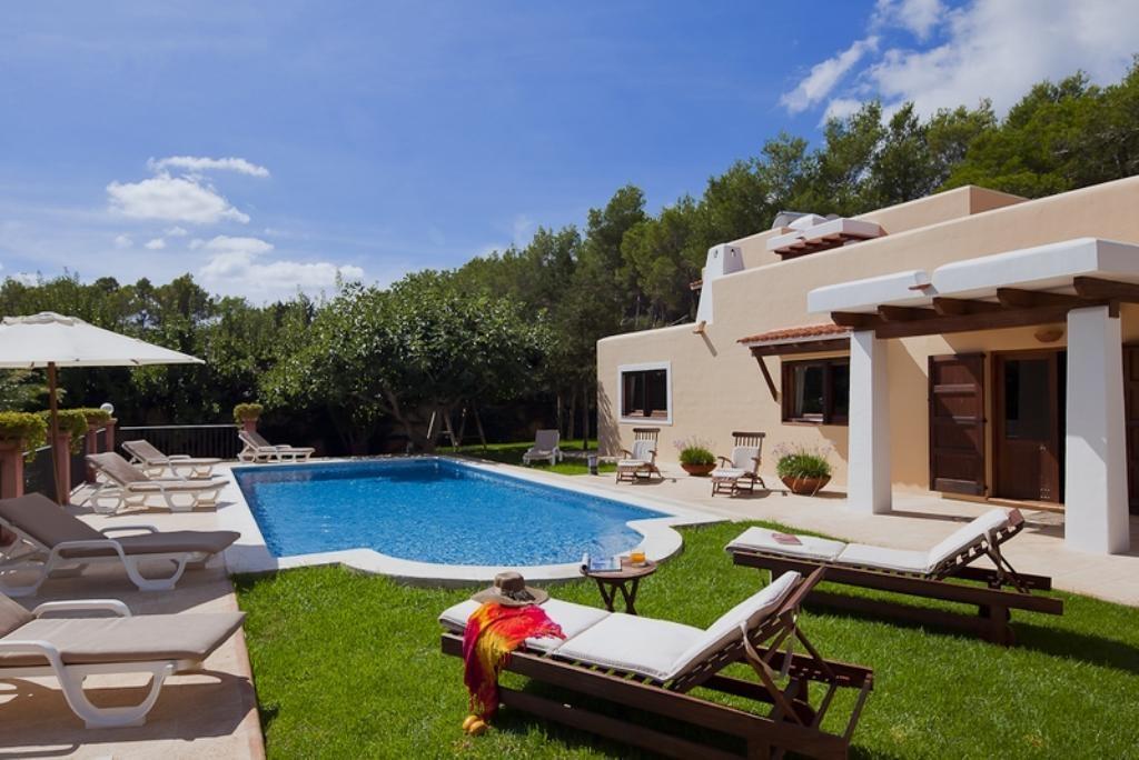 Ibiza Villa For Rent in San Carlos