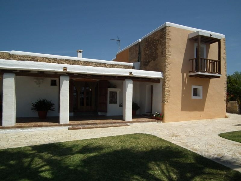 Ibiza travel and vacation rentals 321 villa for rent in for Villas 321 combate