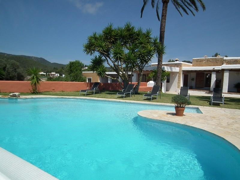 Ibiza villa 321 for rent in san jose with 4 bedrooms for Villas 321 combate